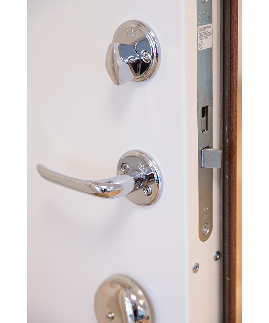 Säkerhetsdörr Vit detalj Dörrakuten